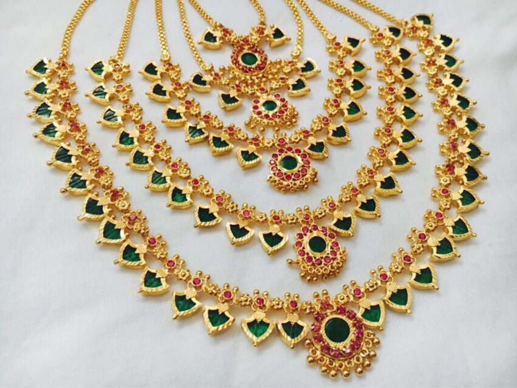 The Paalakka Necklace