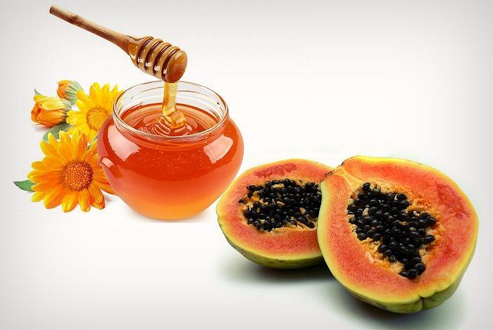 Papaya pulp and honey face pack