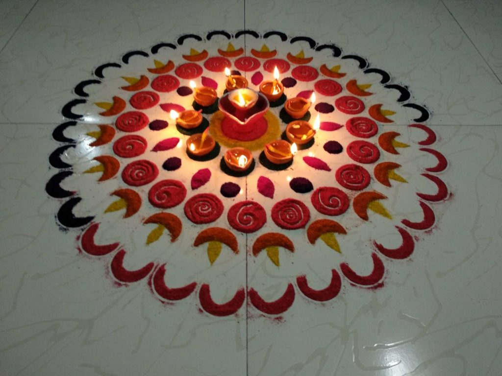 Top 10 Eye Catching Flower Rangoli Designs For Diwali Just a few days for diwali, start preparing, some special things to go before deepawali, this time people find the best rangoli design patterns you can find rangoli's latest, unique and easy design here and make. top 10 eye catching flower rangoli